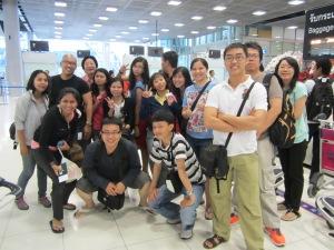 Bergaya di Svarnabummi Airport