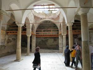 ruang utama Gereja St John Baptist
