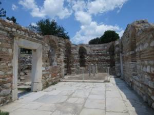 ruang sayap kanan basilika