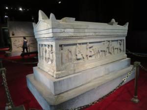"Sarkofagus "" Alexander Agung"" di Archeological Museum"