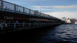 Restoran di Galata Bridge