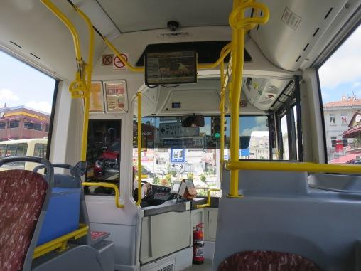 Bagian depan bis
