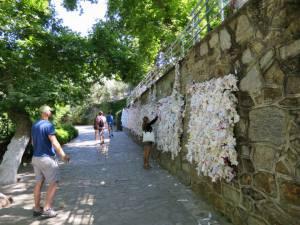 Tembok dan permohonan doa