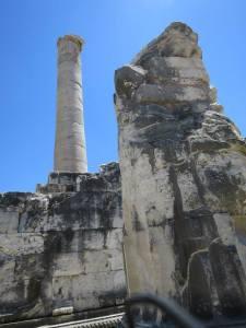 Pilar Penyangga Kuil