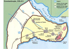 Wilayah Constantinople yang strategis  courtesy of : http://www.medievalwall.com/wp-content/uploads/2011/02/The-city-plan-of-Constantinople.jpg
