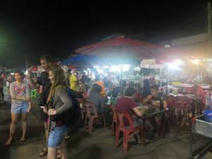 Suasana malam di Pasar