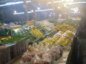 Buah-buahan di pasar