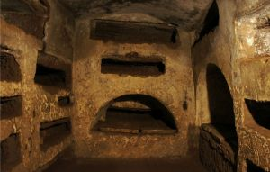 catacombe of San Sebastiano courtesy of http://italyxp.com/en/blog/rome/best-catacombs-rome