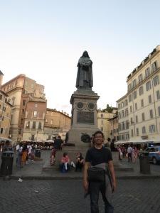Patung Giordano Bruno
