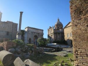 Roman Forum dan Tiang Pochas, kaisar Byzantium.