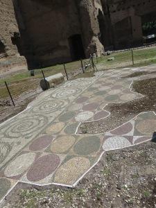 Sisa mosaik di Tepidarium