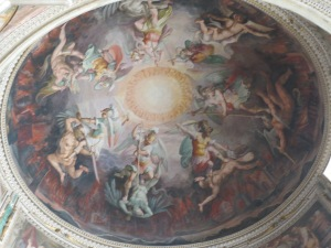 Salah satu karya lukisan langit-langit di Vatican Museum
