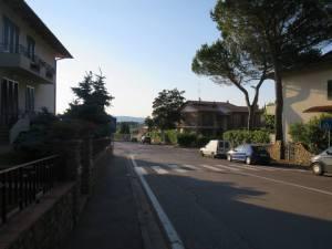 Jalan jalan sepi di Tavarnelle
