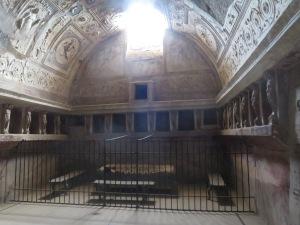 Ruang hangat (Tepidarium)