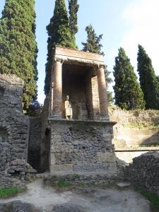 Salah satu makam di Pompeii