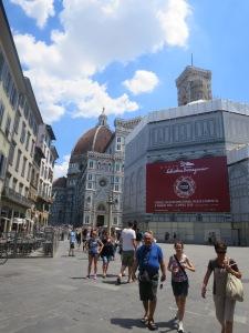 Duomo dari arah Stasiun SMN