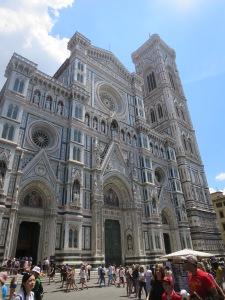 Facade Duomo, perhatikan detail dari tiap ukiran.
