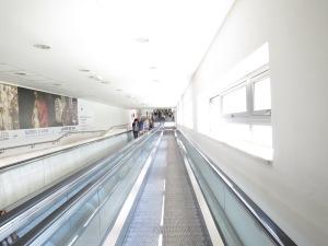 Eskalator menuju Stasiun Kereta dari kota Siena
