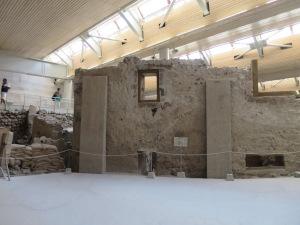 Salah satu bangunan bertingkat di Akrotiri