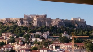 Akropolis dilihat dari rooftop Athenstyle Hostel,Monastiraki
