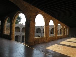 Lantai dua dari Archeological Museum
