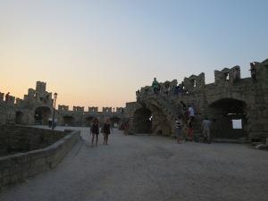 naik ke benteng