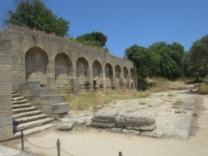 salah satu bangunan di acropolis