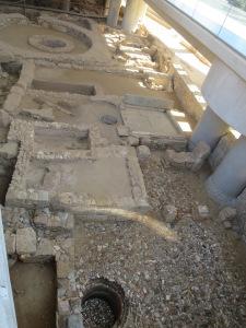 Fondasi bangunan kuno