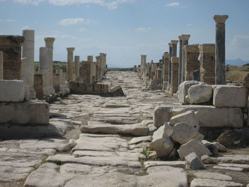 Colonnaded Street at Laodicea, courtesy of https://en.wikipedia.org/wiki/Laodicea_on_the_Lycus