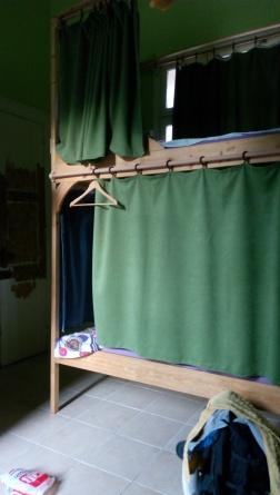 Tempat tidurku di Lotus Garden Hostel