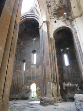 Interior Katedral Ani