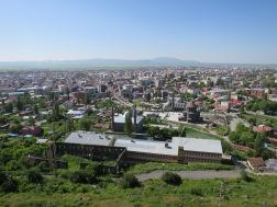 Pemandangan dari atas Benteng Kars