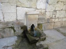 Pipa yang berasal dari zaman Romawi kuno ini masih mengalirkan air sampai sekarang