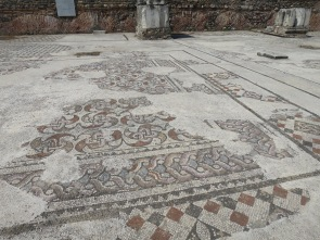 mosaik dari synagoge yang masih utuh