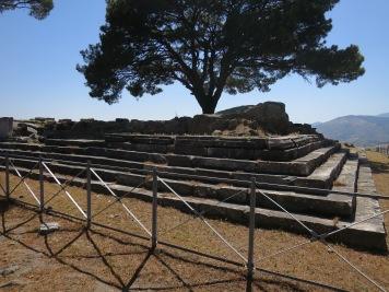 Fondasi Altar of Zeus