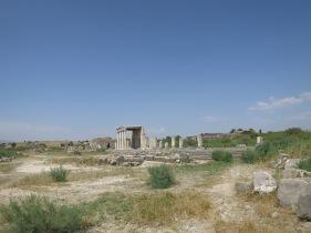 Hamparan tanah luas ini dulunya merupakan bagian dari Stadium kuno,Miletus