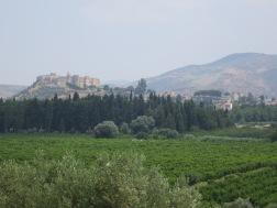Benteng Ayasoluk dilihat dari Cave of Seven Sleepers