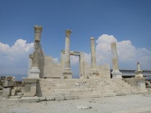 Kuil di Laodicea