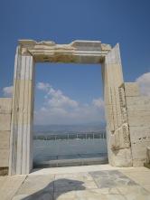 Pintu menuju Kuil yang belum diketahui namanya