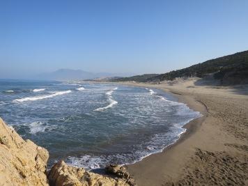 Pantai Patara dengan garis pantainya yang panjang