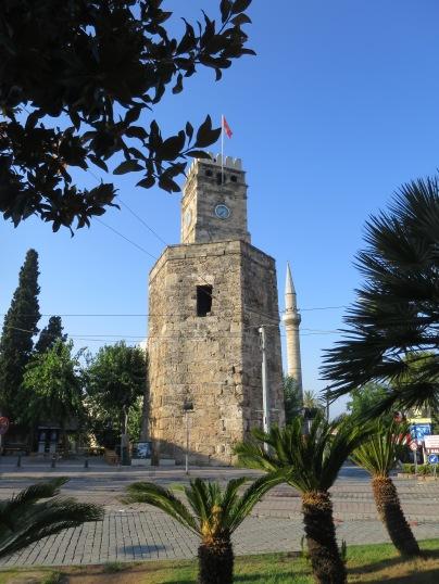 Saat Kulesi atau menara jam