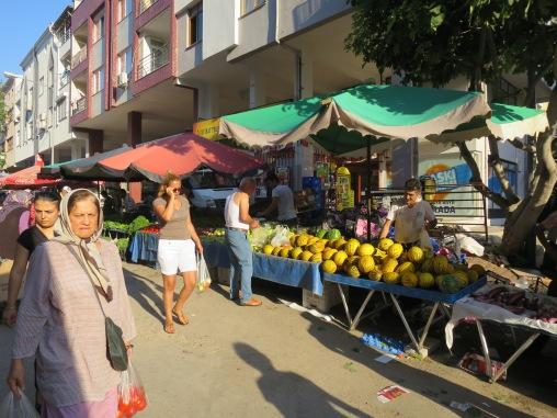 pasar kaget di depan Mark Antalya