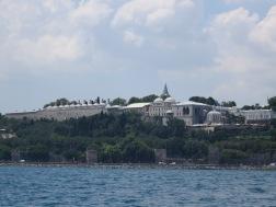 Topkapi Palace dan sisa reruntuhan tembok Byzantium