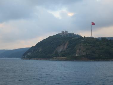 Anadolu Hisari, Benteng Asia yang merupakan pasangan dari Rumeli Hisari