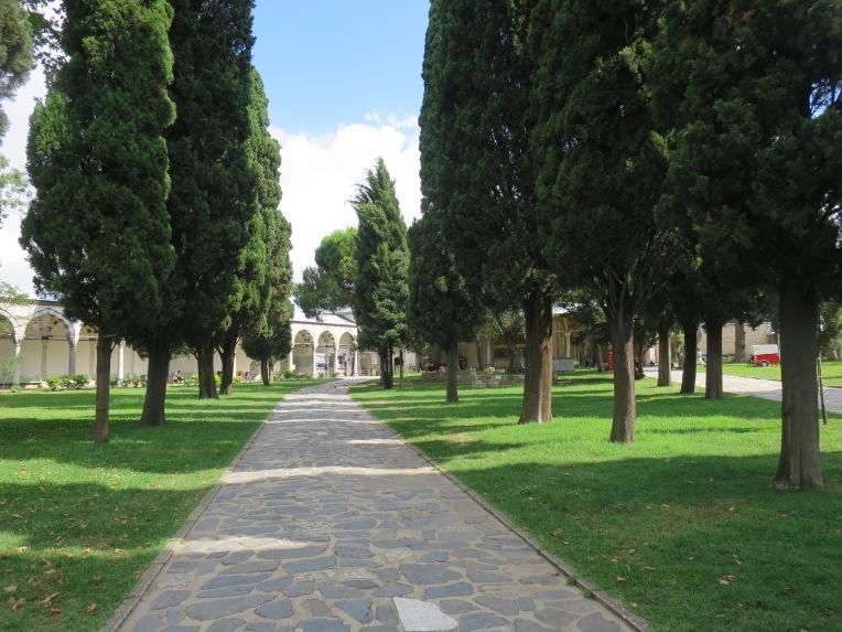 Jalan di Istana Topkapi yang sepi