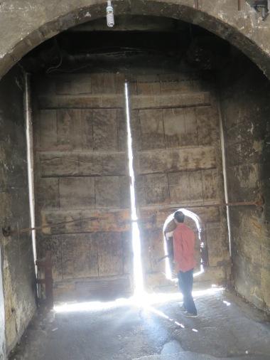 Pintu Kecil tempat kami masuk ke Buyuk Valide Han