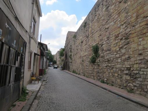Jalan sekitar Chora Church