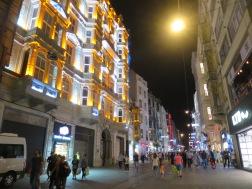 Toko-toko di Istiklal Street