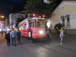 Tram iconic khas Istiklal Street