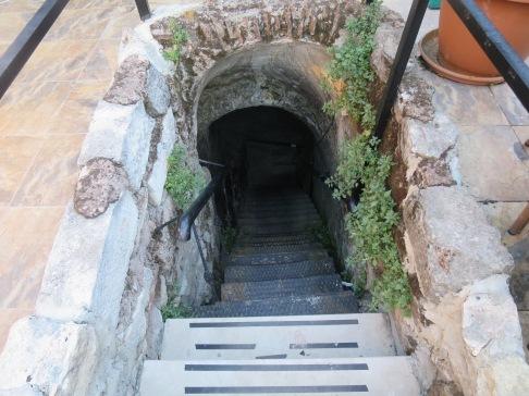 Tangga menuju Istana Magnaura di bawah Palatium Restaurant